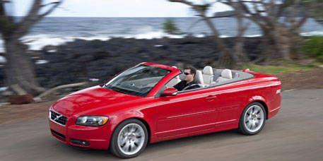 Tire, Automotive design, Vehicle, Car, Red, Automotive mirror, Hood, Fender, Alloy wheel, Rim,