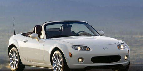 Mode of transport, Automotive design, Automotive mirror, Vehicle, Automotive exterior, Hood, Transport, Car, Photograph, Automotive lighting,