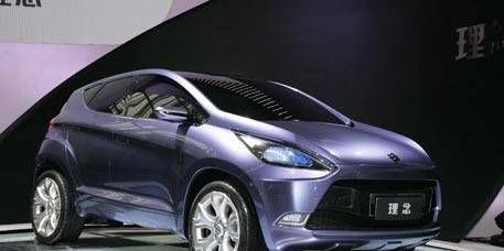 Motor vehicle, Wheel, Mode of transport, Automotive design, Automotive mirror, Product, Vehicle, Transport, Car, Vehicle door,
