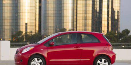 Tire, Wheel, Motor vehicle, Automotive design, Mode of transport, Vehicle, Alloy wheel, Automotive mirror, Automotive wheel system, Car,