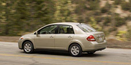 Tire, Wheel, Mode of transport, Vehicle, Automotive design, Land vehicle, Alloy wheel, Car, Rim, Road,