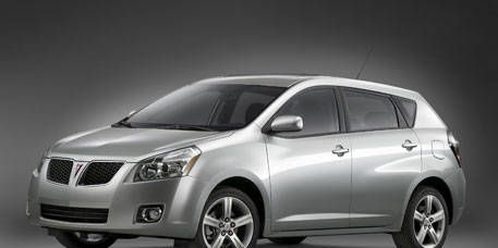 Motor vehicle, Automotive mirror, Mode of transport, Daytime, Vehicle, Automotive design, Product, Transport, Glass, Automotive lighting,