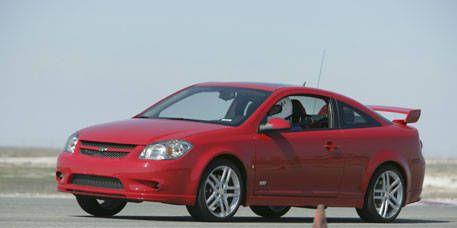 Tire, Wheel, Motor vehicle, Automotive mirror, Mode of transport, Automotive design, Transport, Vehicle, Automotive lighting, Infrastructure,