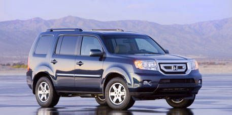 Tire, Wheel, Automotive tire, Mode of transport, Vehicle, Land vehicle, Transport, Automotive mirror, Automotive lighting, Glass,