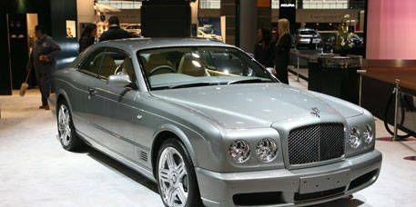 Vehicle, Hood, Car, Grille, Personal luxury car, Fender, Luxury vehicle, Vehicle registration plate, Bentley arnage, Alloy wheel,