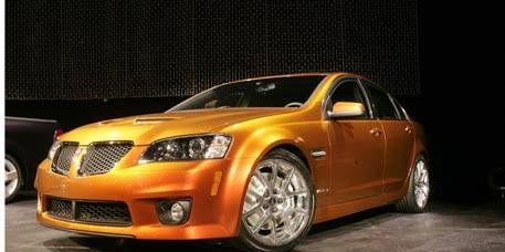 Tire, Motor vehicle, Automotive design, Vehicle, Hood, Automotive lighting, Headlamp, Rim, Grille, Car,
