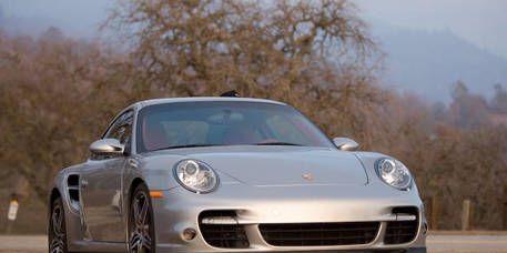 Automotive design, Vehicle, Rim, Automotive lighting, Alloy wheel, Car, Transport, Headlamp, Fender, Hood,