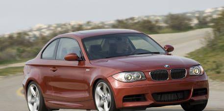 Tire, Automotive design, Mode of transport, Automotive mirror, Vehicle, Automotive tire, Hood, Land vehicle, Rim, Alloy wheel,