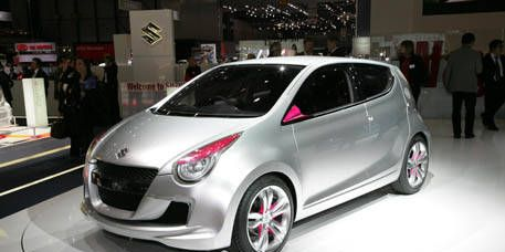 Motor vehicle, Mode of transport, Automotive design, Vehicle, Land vehicle, Car, Hatchback, Automotive mirror, Auto show, Alloy wheel,