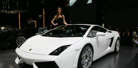 Tire, Wheel, Mode of transport, Automotive design, Transport, Vehicle, Land vehicle, Automotive exterior, Rim, Photograph,