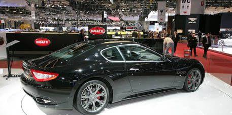 Tire, Wheel, Mode of transport, Automotive design, Vehicle, Performance car, Car, Personal luxury car, Vehicle registration plate, Sports car,