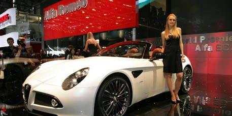 Automotive design, Mode of transport, Vehicle, Headlamp, Performance car, Automotive lighting, Car, Alloy wheel, Dress, Personal luxury car,