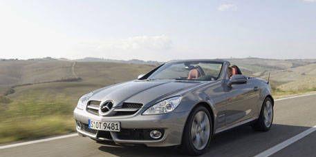 Tire, Mode of transport, Automotive design, Automotive mirror, Road, Vehicle, Hood, Land vehicle, Transport, Infrastructure,