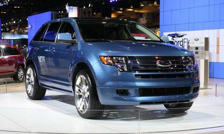 Tire, Wheel, Vehicle, Land vehicle, Automotive design, Car, Transport, Automotive lighting, Headlamp, Glass,