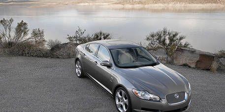 Mode of transport, Vehicle, Rim, Automotive design, Car, Alloy wheel, Glass, Full-size car, Mid-size car, Personal luxury car,