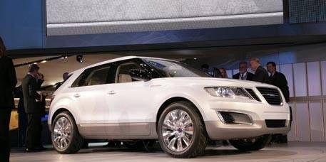 Tire, Wheel, Motor vehicle, Automotive design, Product, Vehicle, Alloy wheel, Event, Land vehicle, Car,
