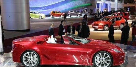 Wheel, Tire, Motor vehicle, Mode of transport, Automotive design, Vehicle, Land vehicle, Car, Transport, Alloy wheel,