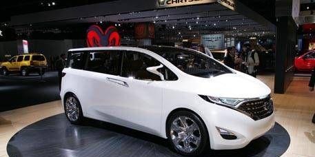 Motor vehicle, Mode of transport, Automotive mirror, Automotive design, Transport, Vehicle, Land vehicle, Car, Technology, Glass,