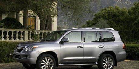 The Third Generation Of This Large Lexus Suv Adds An Electrohydraulic Suspension And Improved Air Conditioning To Mix