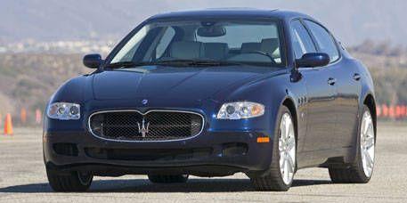Mode of transport, Vehicle, Hood, Automotive mirror, Infrastructure, Grille, Transport, Car, Automotive parking light, Fender,