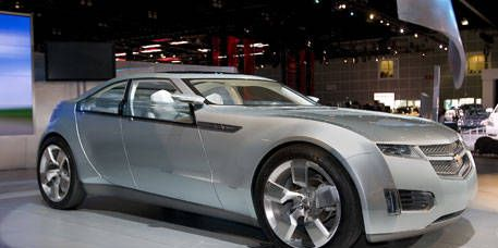 Tire, Wheel, Mode of transport, Automotive design, Vehicle, Product, Land vehicle, Transport, Event, Car,