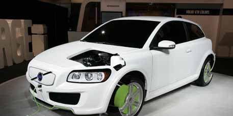 Motor vehicle, Tire, Automotive design, Vehicle, Automotive tire, Automotive mirror, Alloy wheel, Transport, Rim, Hood,