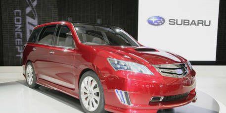 Tire, Automotive mirror, Mode of transport, Automotive design, Vehicle, Automotive lighting, Product, Land vehicle, Glass, Transport,