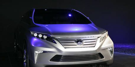 Motor vehicle, Mode of transport, Automotive design, Vehicle, Headlamp, Automotive lighting, Grille, Glass, Car, Technology,