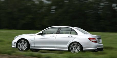 Tire, Wheel, Automotive design, Mode of transport, Vehicle, Land vehicle, Alloy wheel, Spoke, Rim, Car,