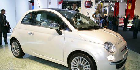 Motor vehicle, Tire, Wheel, Automotive design, Vehicle, Automotive mirror, Car, Alloy wheel, Rim, Automotive wheel system,