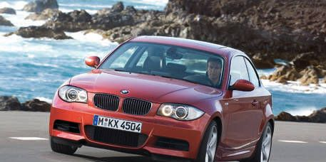 Mode of transport, Automotive design, Automotive mirror, Vehicle, Land vehicle, Hood, Automotive exterior, Coastal and oceanic landforms, Car, Automotive lighting,