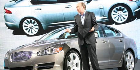 Tire, Wheel, Automotive design, Vehicle, Land vehicle, Car, Automotive lighting, Alloy wheel, Grille, Full-size car,