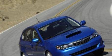 Tire, Mode of transport, Automotive design, Automotive mirror, Vehicle, Hood, Land vehicle, Headlamp, Car, Automotive lighting,