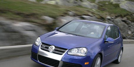 Automotive design, Blue, Daytime, Vehicle, Automotive mirror, Car, Hood, Headlamp, Rim, Automotive exterior,