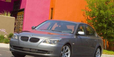 Tire, Mode of transport, Vehicle, Automotive mirror, Automotive lighting, Land vehicle, Infrastructure, Rim, Alloy wheel, Car,