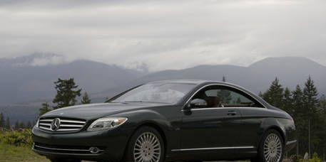 Tire, Wheel, Mode of transport, Automotive design, Vehicle, Alloy wheel, Mountainous landforms, Spoke, Rim, Car,