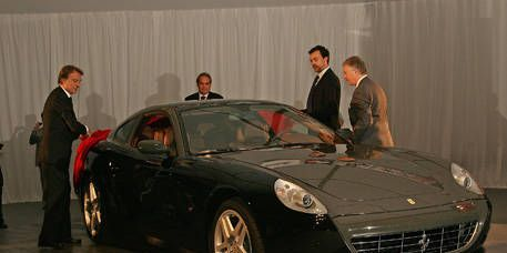 Tire, Wheel, Automotive design, Vehicle, Land vehicle, Car, Performance car, Rim, Personal luxury car, Grille,