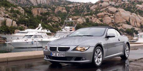 Tire, Mode of transport, Vehicle, Mountainous landforms, Automotive mirror, Transport, Automotive design, Automotive tire, Hood, Car,