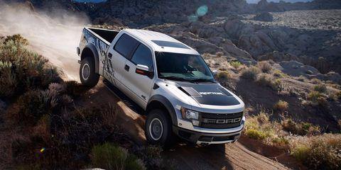 Tire, Wheel, Automotive tire, Automotive design, Vehicle, Land vehicle, Rim, Car, Hood, Landscape,