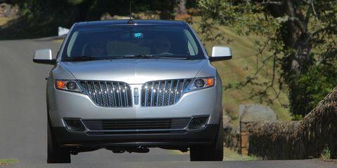 Motor vehicle, Mode of transport, Automotive exterior, Automotive design, Product, Automotive lighting, Vehicle, Grille, Infrastructure, Headlamp,
