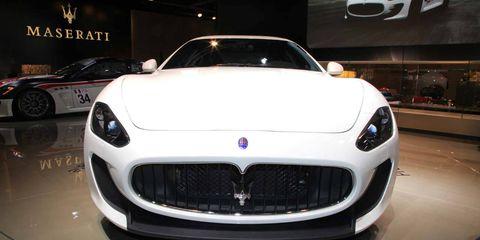 Automotive design, Vehicle, Land vehicle, Car, Performance car, Personal luxury car, Grille, Automotive lighting, Luxury vehicle, Sports car,