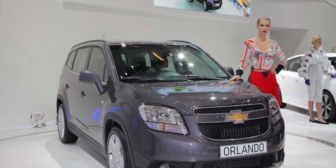 Motor vehicle, Tire, Automotive design, Vehicle, Land vehicle, Automotive lighting, Transport, Headlamp, Car, Grille,
