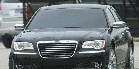 Motor vehicle, Automotive design, Vehicle, Land vehicle, Automotive lighting, Transport, Headlamp, Automotive parking light, Hood, Automotive mirror,