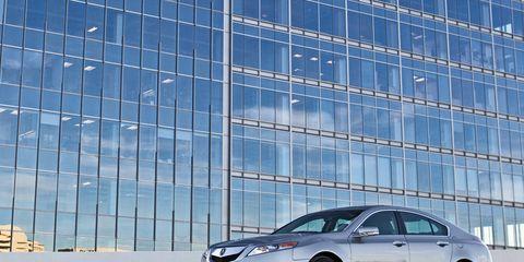 Wheel, Tire, Automotive design, Vehicle, Glass, Rim, Alloy wheel, Car, Automotive tire, Automotive lighting,