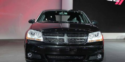 Automotive design, Automotive mirror, Vehicle, Automotive lighting, Headlamp, Grille, Hood, Car, Glass, Automotive exterior,