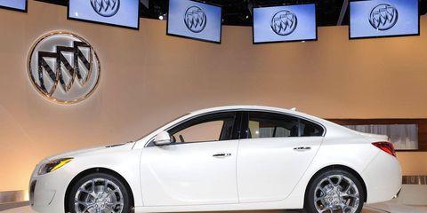 Tire, Wheel, Automotive design, Vehicle, Car, Alloy wheel, Automotive tire, Rim, Fender, Logo,