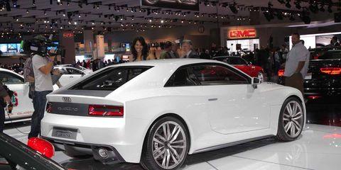 Tire, Wheel, Automotive design, Vehicle, Land vehicle, Alloy wheel, Rim, Car, Performance car, Vehicle registration plate,
