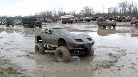 Tire, Wheel, Mode of transport, Land vehicle, Vehicle, Water, Car, Automotive exterior, Automotive wheel system, Fender,
