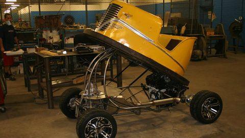 Tire, Wheel, Product, Rim, Automotive tire, Automotive wheel system, Engineering, Machine, Auto part, Tread,