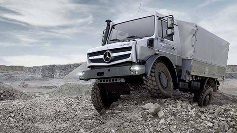 Wheel, Motor vehicle, Tire, Mode of transport, Vehicle, Automotive tire, Transport, Truck, Automotive design, Fender,